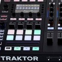 Controlador DJ Native Instruments